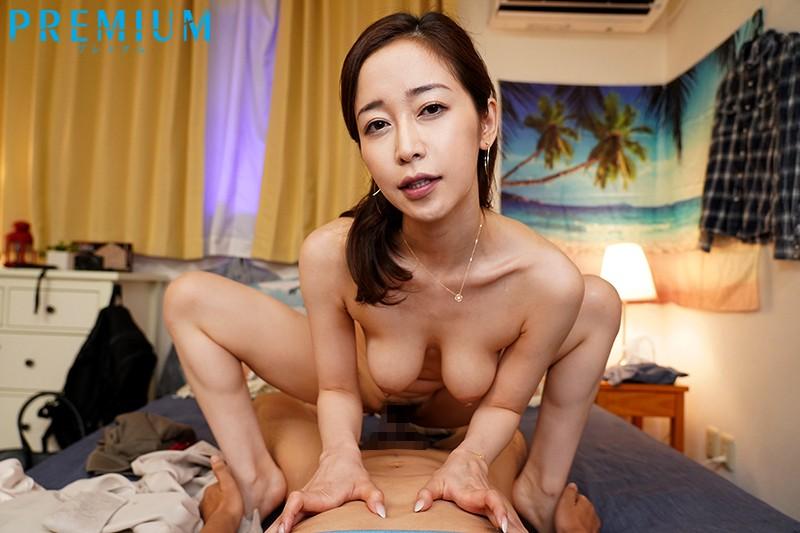 美女に身をまかせて快感射精!騎乗位で精子をどっきゅどきゅ吸い取ってくれる幼なじみのお姉さんと過ごした3日間。 篠田ゆう