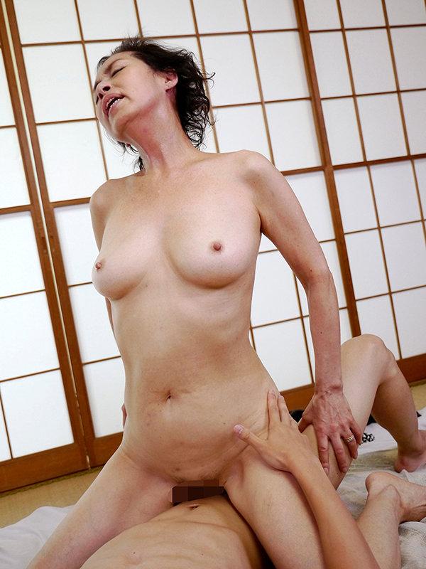 昭和30年代生まれ生涯現役の還暦熟女ベスト 美しいシルバー陰毛!閉経六十路に中出し17