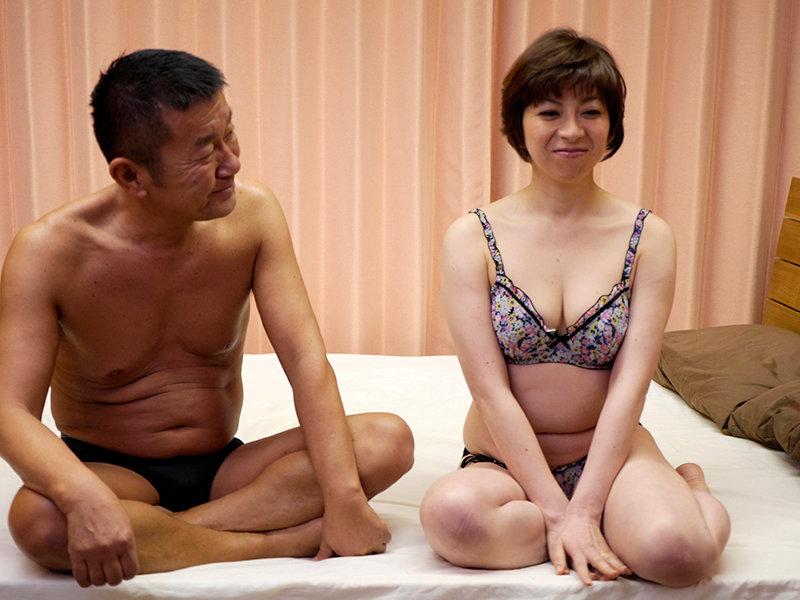 動画撮影OKの素人奥さん!羞恥と快感に震える人妻さんの淫らな映像集4時間