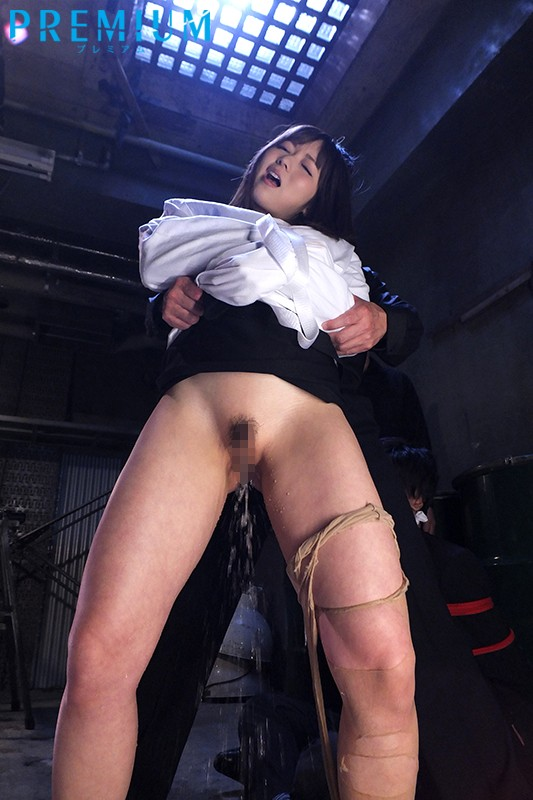 屈辱に濡らされた捜査官〜強●失禁させられた強気なエリート〜 麻倉憂 画像2
