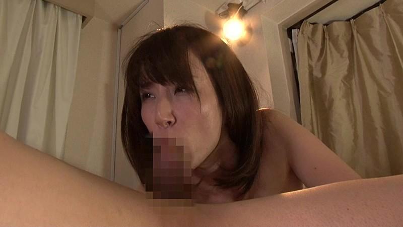 ハプニングバー1日店長 M男を搾精して遊ぶ変態痴女 澤村レイコ キャプチャー画像 18枚目