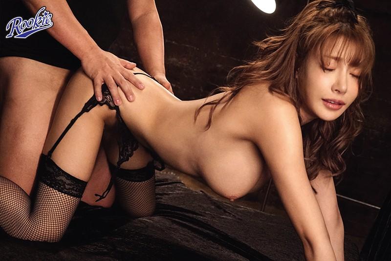 美しいカラダ。形良し大きさ良し乳首良し!...