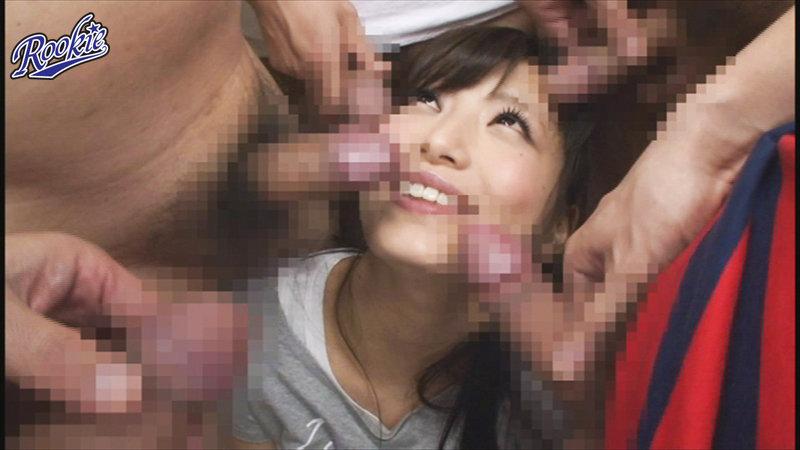 チ○ポで頭がいっぱい!同時に何本も咥えたい下品な女のまとめてぱっくんフェラチオ8時間 画像1