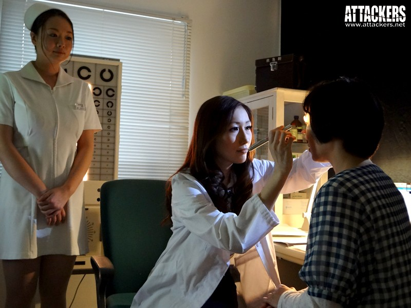 女医、院内凌辱の日々。望まない絶頂が悔しくて… JULIA 1枚目