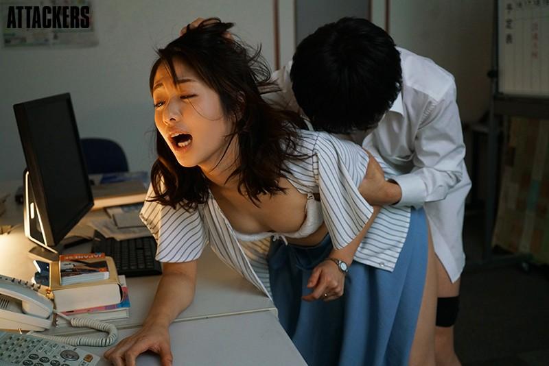 【エロ動画】新婚人妻の女教師は校内一の問題児に中出しセックスされる 【川上奈々美】