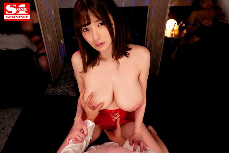 筧ジュンのオマ○コを愛撫しながらおっぱいを揉む