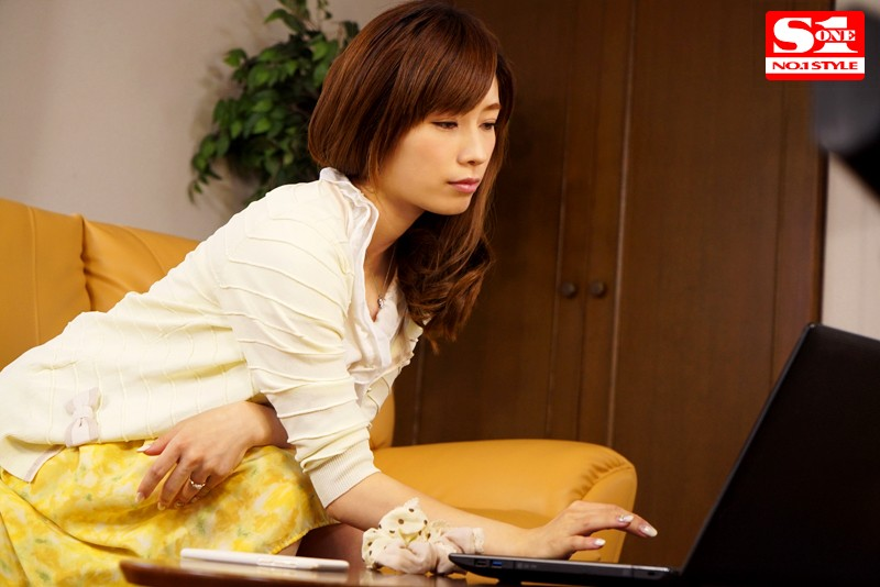 巨乳人妻が旦那に内緒でハマった快楽オイルマッサージ 奥田咲 サンプル画像 1