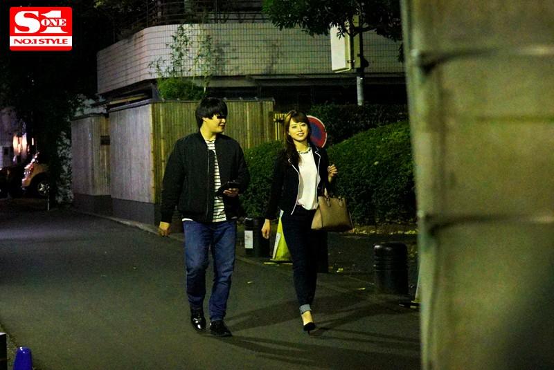 盗撮リアルドキュメント!密着52日、吉沢明歩のプライベートを激撮し、偶然を装って二度に渡り近づいてきたイケメンナンパ師に引っ掛かって、SEXまでしちゃった一部始終 キャプチャー画像 7枚目