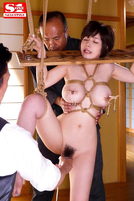 完全緊縛されて無理やり犯された巨乳人妻 奥田咲 9枚目