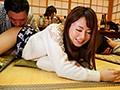 慰安バスツアーNTR 妻の社員旅行ビデオにウツ勃起 吉沢明歩-エロ画像-7枚目