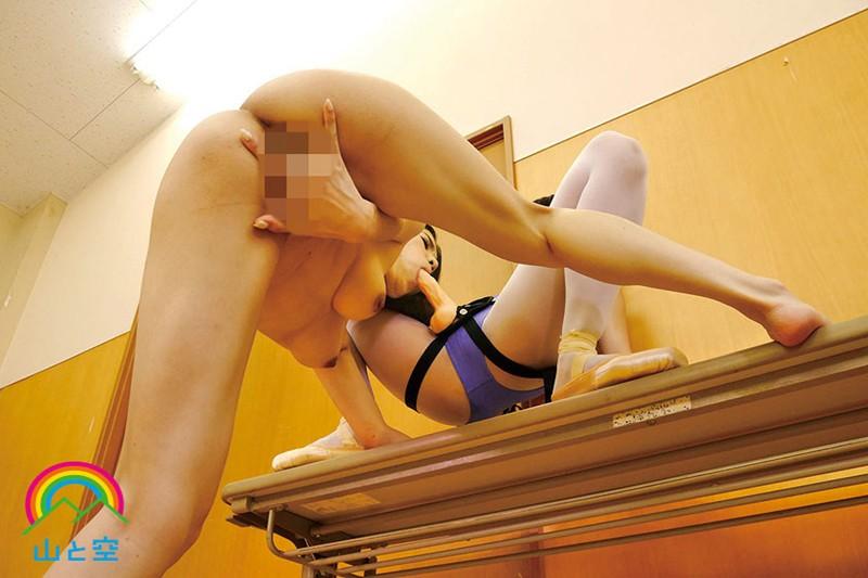 野外凌●聖水レズビアン 露出オイルセックスで、性欲剥き出しのレズアクメ狂い!!! 芦名ユリア みおり舞 画像3