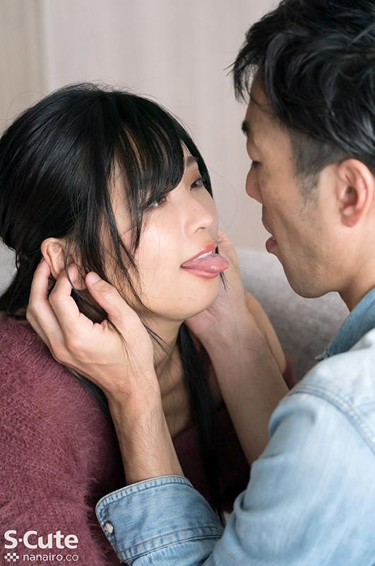 男を見つめながら本気汁を垂らす濃密舐めまくり性交 碓氷れん