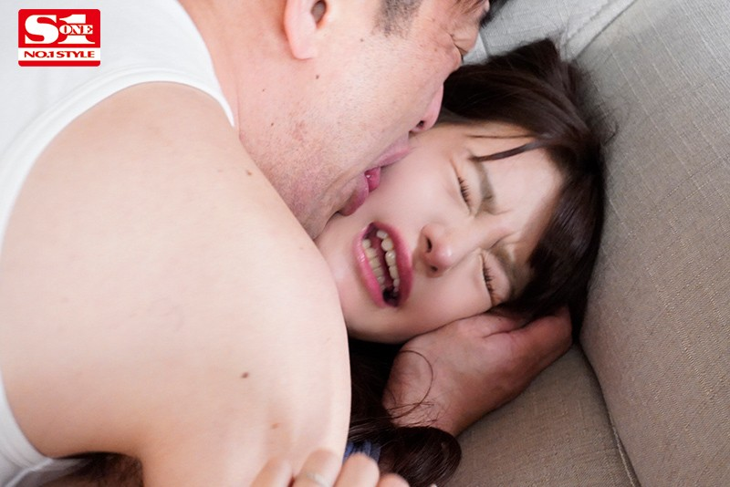 夫が出張で不在の間、絶倫義父に舐め堕とされた最低な私… ひなたまりん