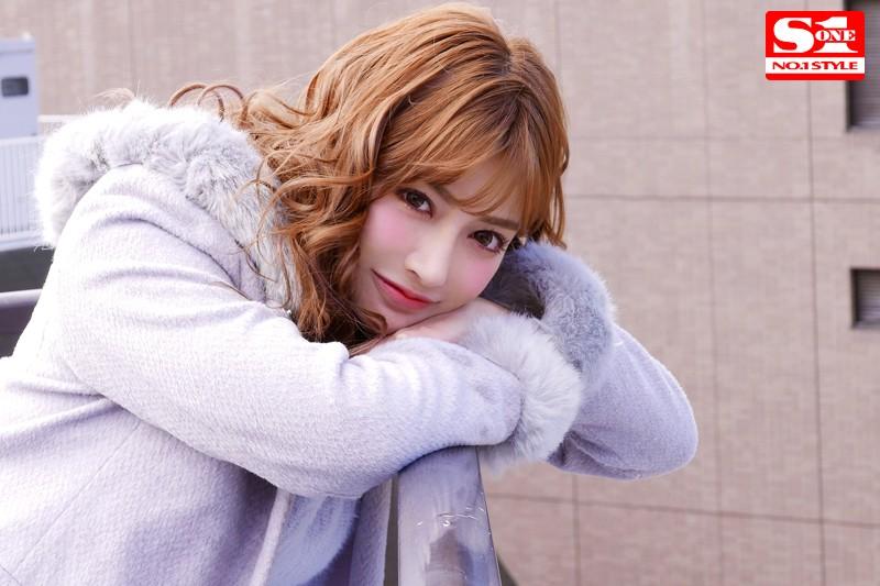 デビュー10周年企画 明日花キララの潜在エロスを120%ひき出す媚薬漬け性獣セックス4本番 1枚目