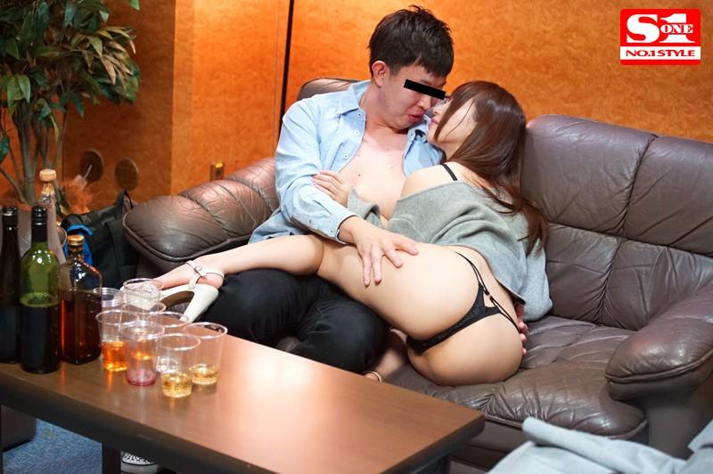 素人男性を彼女のすぐそばで寝取る… カップルNTR密着誘惑性交 天使もえ キャプチャー画像 9枚目