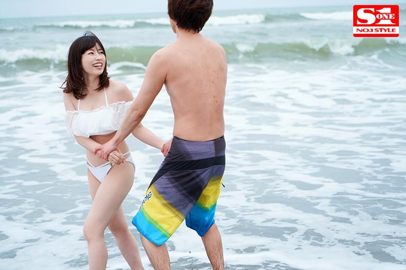 新婚旅行NTR 夫と思い出のビーチで愛を育んでいたら昔ナンパされたチャラ男に寝取られた巨乳人妻 奥田咲 画像2