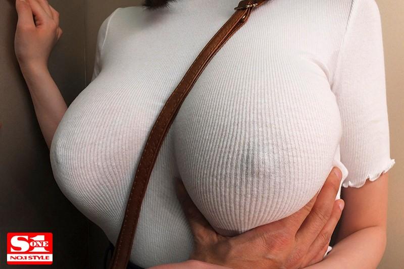 常にノーブラ透けおっぱいで誘惑する【完全着衣】Jカップお姉さん 筧ジュン の画像9