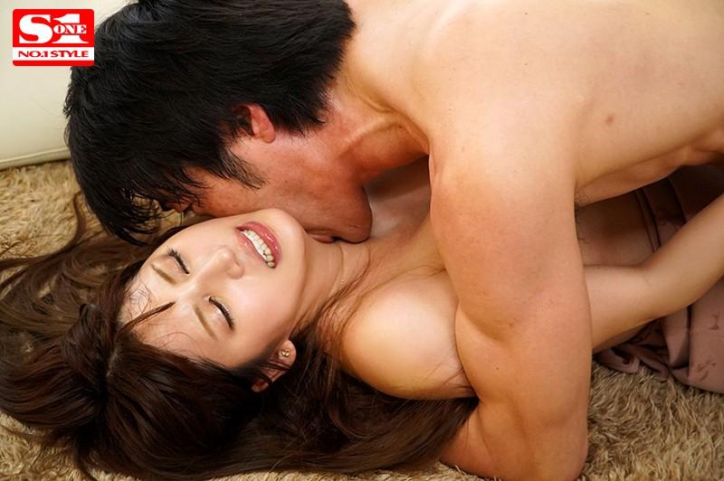 『七ツ森りり スタイル抜群の元モデルが濃厚セックスww』の紹介画像