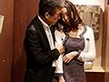 同窓会で再会した教え子が、人妻になって色気が増していたので朝まで夢中でヤリまくった。 松下紗栄子 画像1