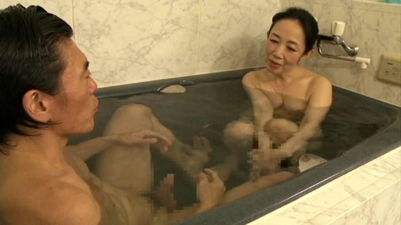 【お得セット】婆風呂禁断交尾・拘束されたい五十路四十路いいなり奥様・支配された五十路四十路変態熟母 の画像12