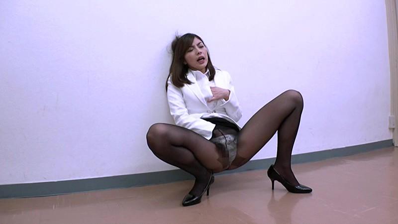 受刑者や職場の上司に迫られる咲流さんは、セクハラされまくりの女刑事 卯水咲流2