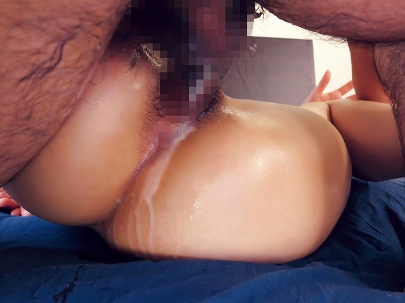 【ソクヌキ】Gカップ美女相手にチ○ポ抜かずに連続中出し!さてその顛末は…。もう10発も彼女の膣内に射精済。流石に10発出すと、ピストンするだけで精子がマ○コから溢れ出す。ここから怒涛の4発連続中出しで計14発!チ○ポ抜いたらマ○コが…。 水野朝陽