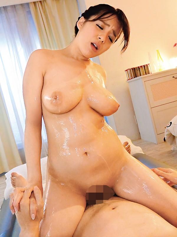 【お得】Jカップソープ嬢と巨乳ブルブル、ヌルヌルローションセックスする動画。巨乳だから、弄っても気持ちイイしどんな体位で突いても圧巻の揺れ!ガンガン突かれて気持ち良くて涎もダラダラ淫乱嬢。しかも最後の発射は口内に。爆乳風俗嬢、最高です。 三島奈津子4
