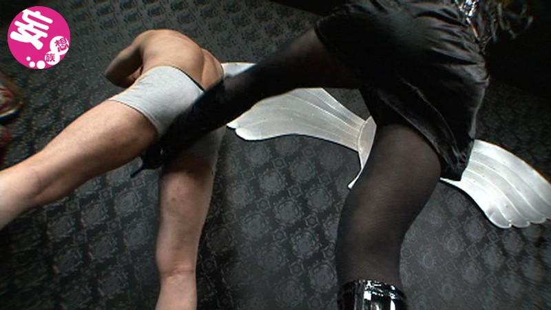 凄惨な金玉殺戮の宴 金蹴り乱れ撃ち拷問 大沢美由紀|無料エロ画像4