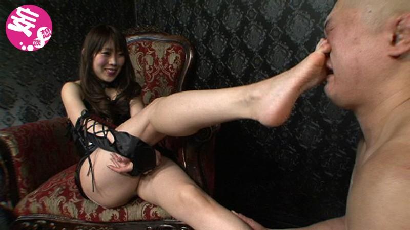 凄惨な金玉殺戮の宴 金蹴り乱れ撃ち拷問 大沢美由紀|無料エロ画像6