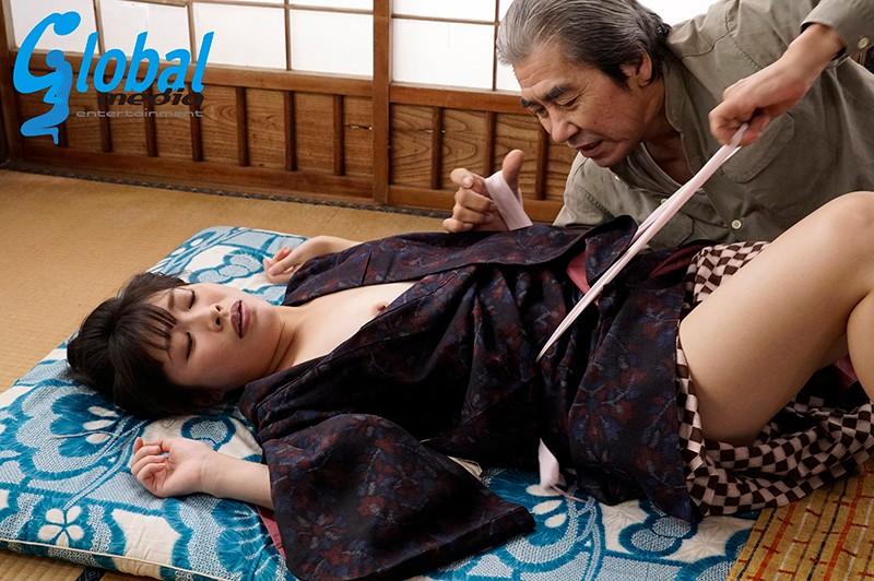 昭和 戦地で散った夫・義父の性欲処理・知らぬ男との子作り 春原未来 画像7