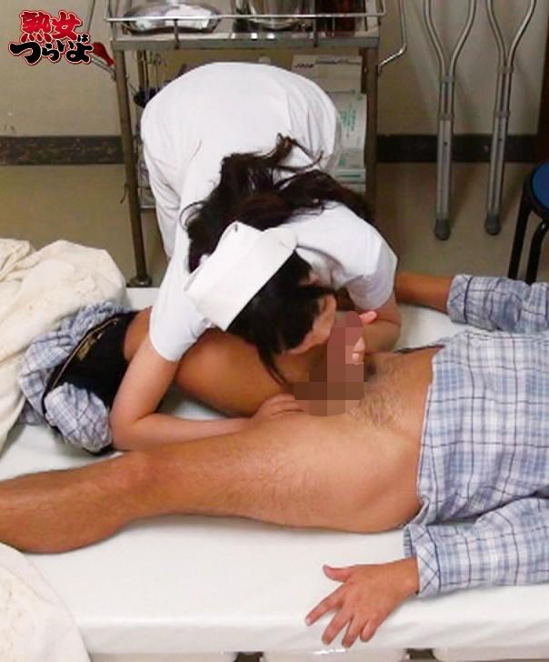 緊急手術が迫る!強●吐精させペニスを沈静化! 緊急マニュアル排精術!? 熟練美人ナースの緊急吐精処置5 「緊急連絡!救急患者の吐精処置願います!排精後は手術室まで速やかに搬送願います!」 画像2