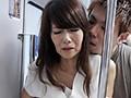 『え、こんな私のカラダで興奮するの?』女を忘れかけ無警戒に乗り込んだ電車内で若い青年に熟れた胸や尻を弄られたおばさんは感じまいと必死に抵抗するが、性感帯を刺激された瞬間スイッチが入ってしまった作品集 2