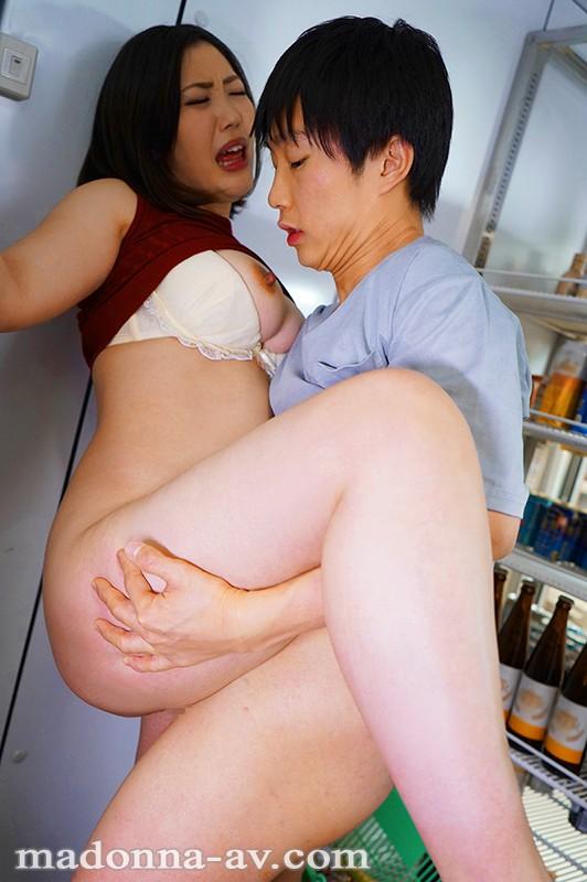 【エロ動画】巨乳の美人妻を好き放題中出しハメまくり【水野朝陽】