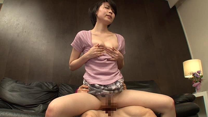 彼女のママの乳首チラッチラ。 櫻井菜々子サンプルF8