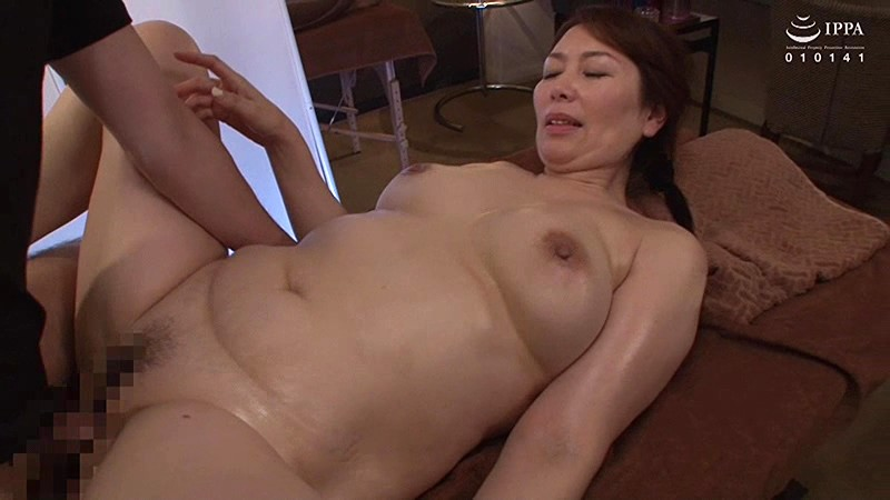 VEC-357 Studio VENUS - A Wife Is Made To Orgasm In Front Of Her Husband By A Masseur Chisato Shoda