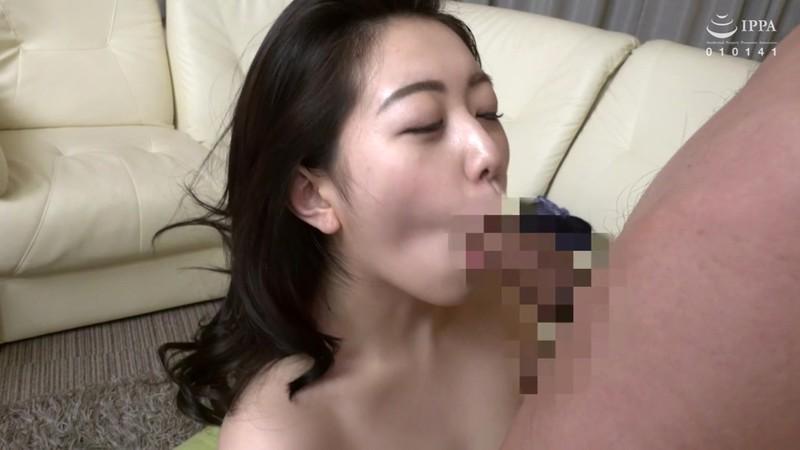 「立派なオチ○ポしてるわね」友達の母親は性欲モンスター!童貞を奪われた僕 香坂のあ