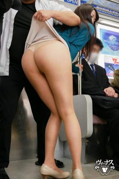 ヤンキー痴姦電車〜悪で有名な不良校生たちの専用車両に乗り合わせてしまった人妻〜 加藤あやの