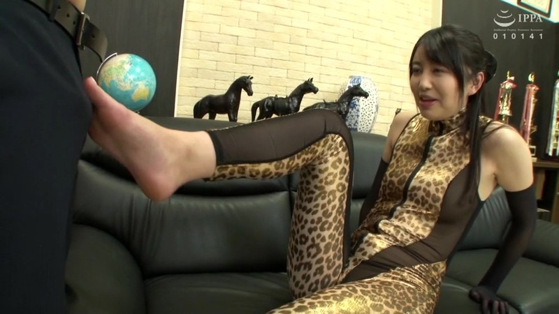 VEMA-143 This Company Places Women First, And This Lady Boss Is Bullying Her Weak-Willed Husband And Opening His Eyes To The Pleasure And Pain Of Slut Shame Ema Kuriyama