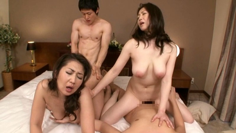 幻母 禁断母子スワップ 膣中にどっぷり出されし母親たち 伊織涼子 沢村麻耶 画像20