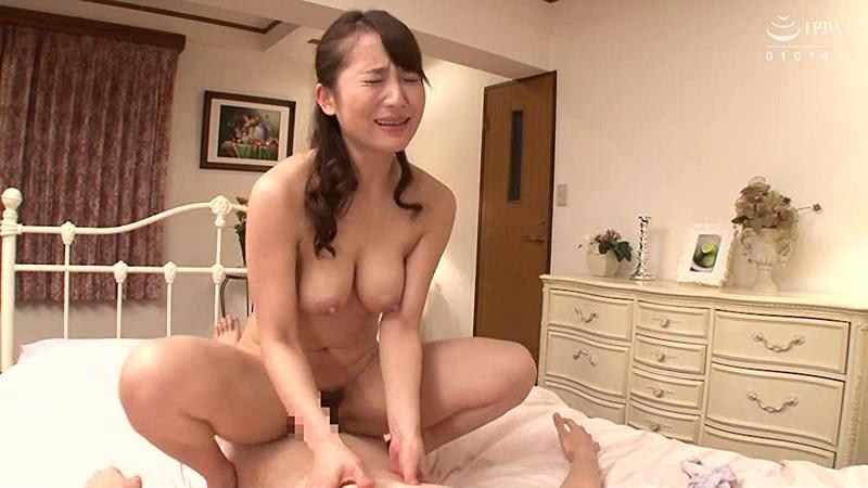 父が出かけて2秒でセックスする母と息子 倉多まお キャプチャー画像 14枚目