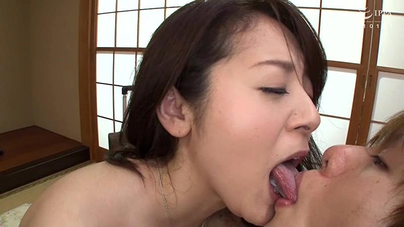 牧村彩香の肉厚長舌4