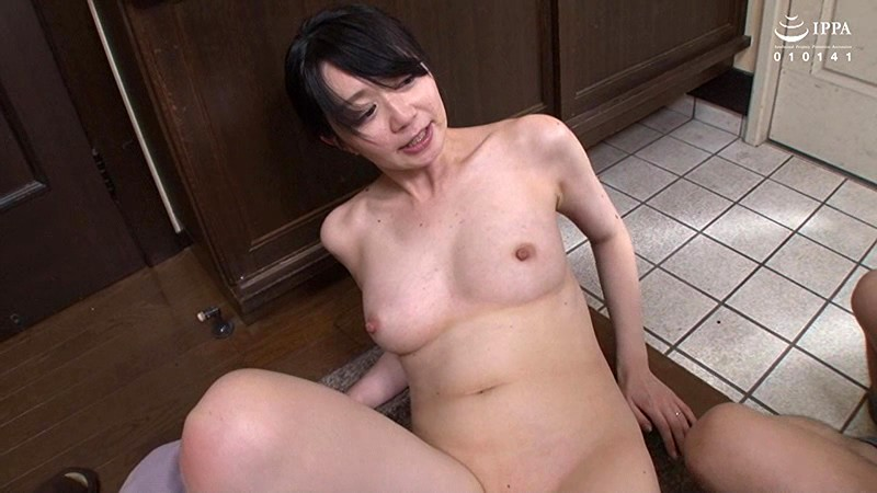 VENU-894 Studio VENUS - A Stepmom And Stepson Who Will Start Having Sex 2 Seconds After Dad Leaves The House Asuka Takagi big image 5