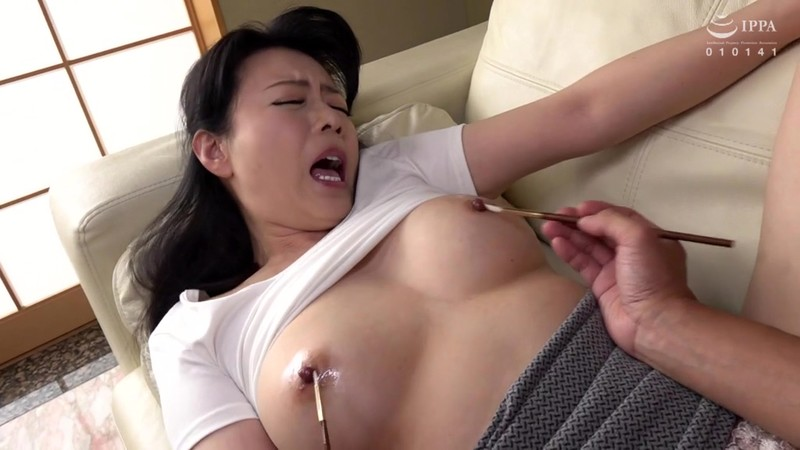 最高の乳首イキ近親性交〜美しい母の敏感乳...