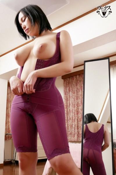 近ごろ豊満な熟女体型を気にしはじめた嫁の母が恥じらう姿に僕は勃起してしまった 田中ねね 画像2