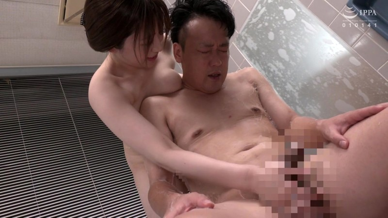 VOSS-182 Studio VENUS - Excuse Me, Your Titties Are Bumping Against Me... I Was Bathing With My Busty Mother-In-Law And I Lost My Mind And Creampie Fucked Her! While My Career-Minded Wife Was Away On A Business Trip, The Bride's Mother Came Over To Tak big image 2