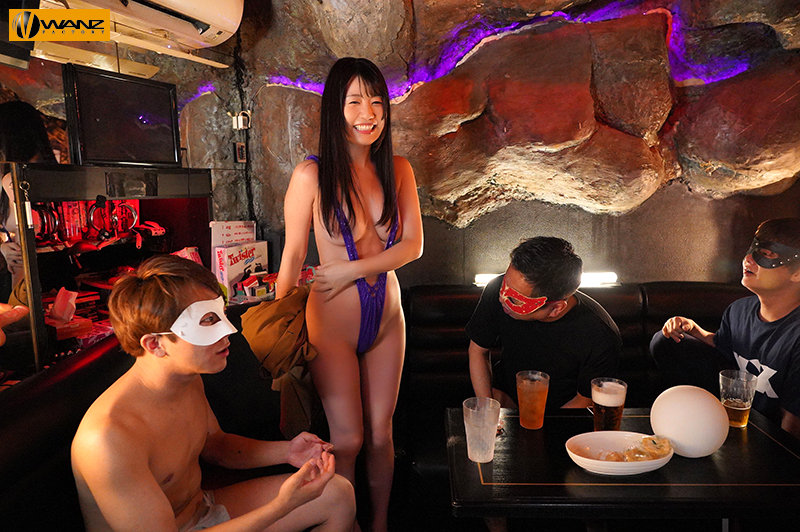夜遊びチ○ポとハメまくる風俗リポートでイキまくり つぼみ、生まれて初めて歌○伎町に降り立つ