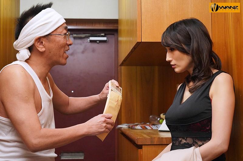 宝クジに当選したワシ(51才フリーター)超高級デリヘル嬢JULIAさんを呼んでチップ弾み無理ヤリ中出し三昧。