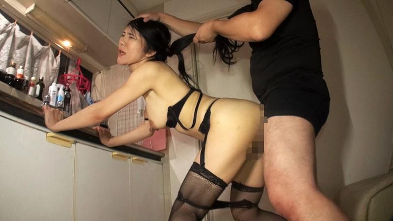 デカ乳首母乳ママ 奥村美奈子15