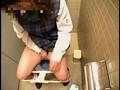 女子校生 おトイレ真っ最中 隠し撮り。sample18