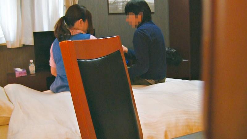 ビジネスホテル従業員のおばさんを痴漢して口説き落とせるか4時間 キャプチャー画像 1枚目